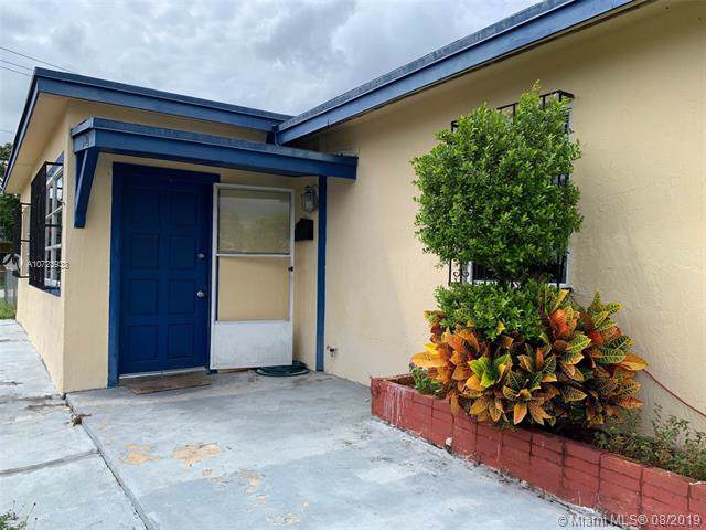 1301 NE 11th St, Homestead, FL 33033 (MLS #A10723933) :: The Jack Coden Group