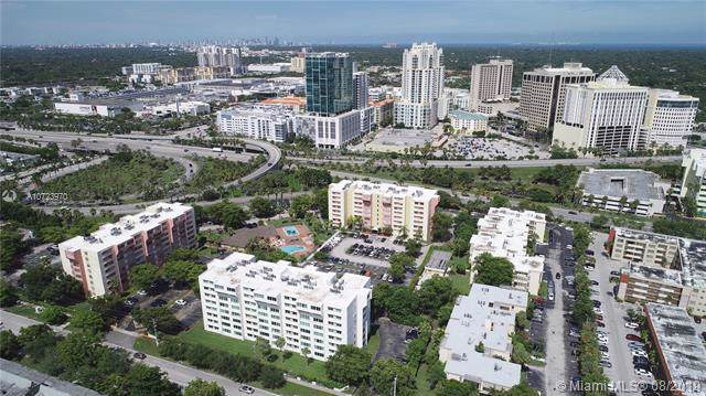 9125 SW 77th Ave #202, Miami, FL 33156 (MLS #A10723970) :: Berkshire Hathaway HomeServices EWM Realty