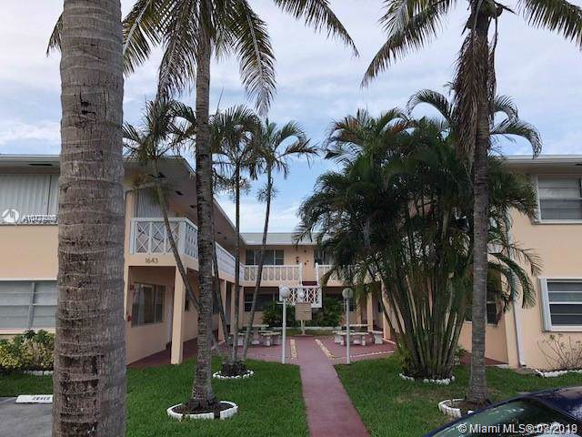 1643 Wiley St #3, Hollywood, FL 33020 (MLS #A10724009) :: Castelli Real Estate Services