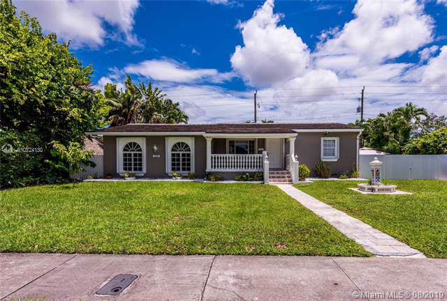 1245 Ludlam Dr, Miami Springs, FL 33166 (MLS #A10724130) :: GK Realty Group LLC