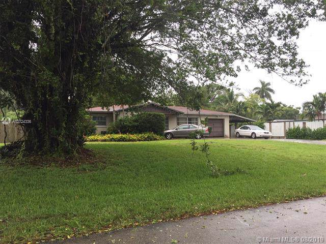 6620 Patricia Drive, West Palm Beach, FL 33413 (MLS #A10724336) :: The Paiz Group