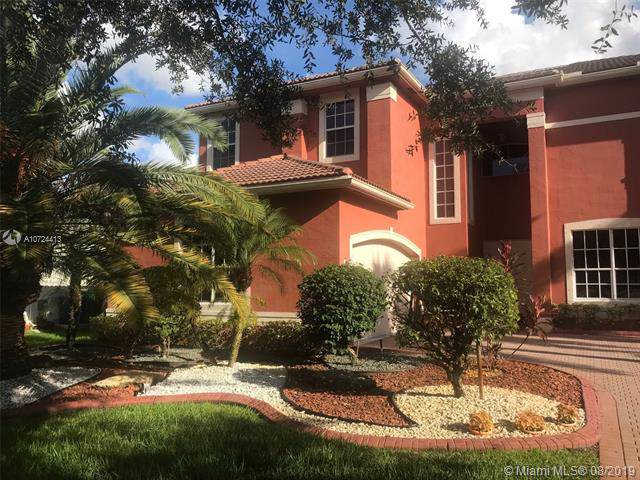 19122 SW 55 St, Miramar, FL 33029 (MLS #A10724413) :: The Jack Coden Group