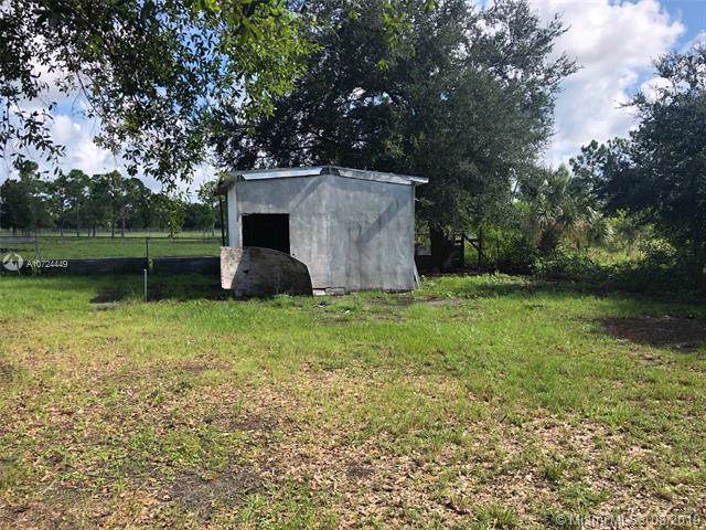 325 N Romero St., Clewiston, FL 33440 (MLS #A10724449) :: Grove Properties