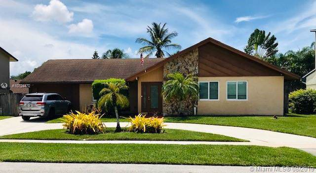 5241 SW 101st Ave, Cooper City, FL 33328 (MLS #A10724472) :: RE/MAX Presidential Real Estate Group