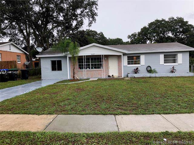 3637 Chalet Ct, Other City - In The State Of Florida, FL 32818 (MLS #A10724625) :: GK Realty Group LLC