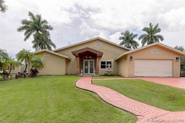 Southwest Ranches, FL 33331 :: United Realty Group