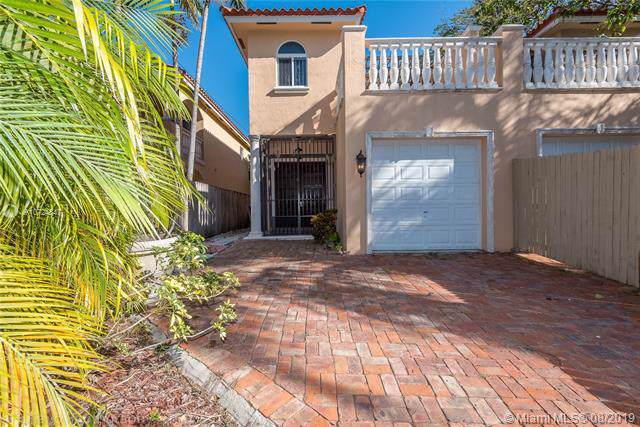 3037 Day Ave #3037, Miami, FL 33133 (MLS #A10724847) :: Lucido Global