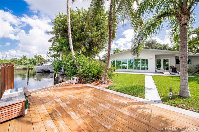 844 NE Belle Meade Island Dr, Miami, FL 33138 (MLS #A10724869) :: Grove Properties
