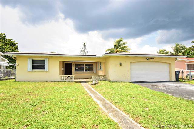 1324 N 74th Ter, Hollywood, FL 33024 (MLS #A10725151) :: RE/MAX Presidential Real Estate Group