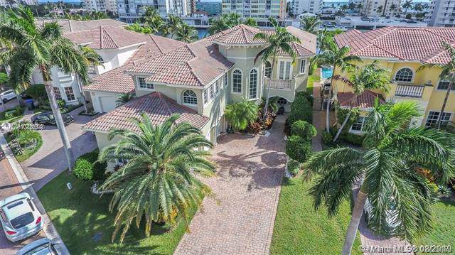 1265 Hatteras Ln, Hollywood, FL 33019 (MLS #A10725202) :: The Rose Harris Group