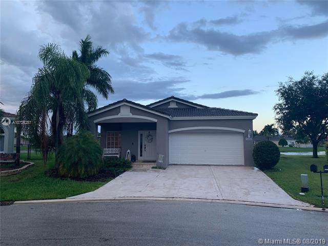 4560 SW 14th Street, Deerfield Beach, FL 33442 (MLS #A10725257) :: Berkshire Hathaway HomeServices EWM Realty