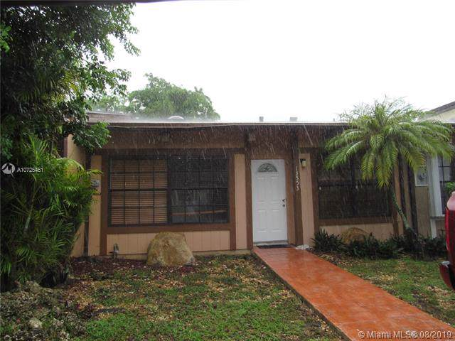 13553 SW 101st Ln, Miami, FL 33186 (MLS #A10725461) :: The Jack Coden Group