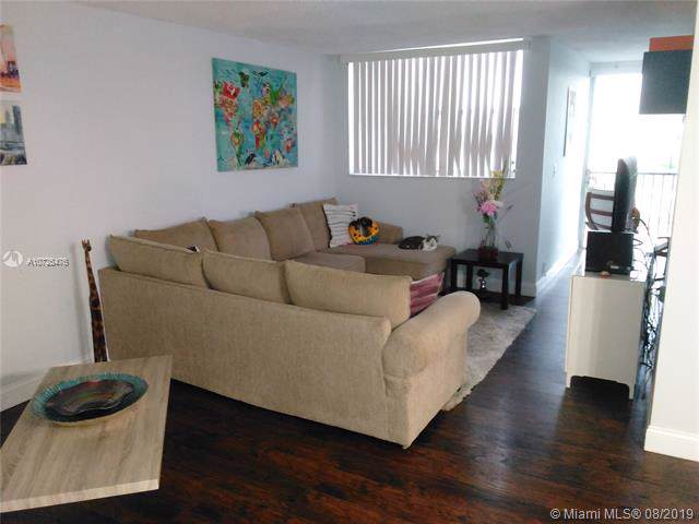 9411 SW 4th St #410, Miami, FL 33174 (MLS #A10725476) :: RE/MAX Presidential Real Estate Group