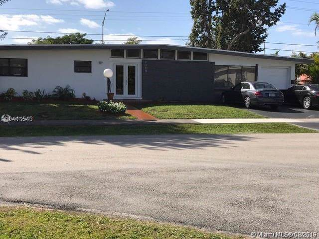 2030 NE 185th Ter, North Miami Beach, FL 33179 (MLS #A10725487) :: The Howland Group