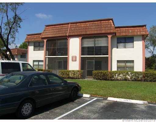 20815 NE 8th Ct 101-20, Miami, FL 33179 (MLS #A10725528) :: The Howland Group