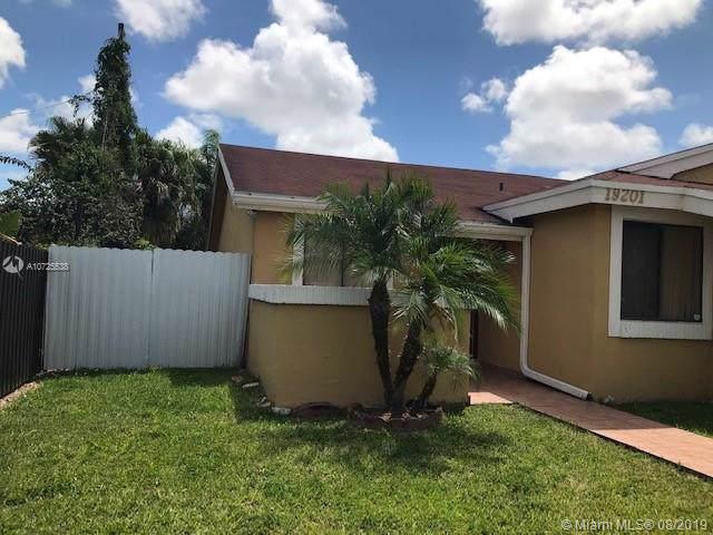 Miami, FL 33177 :: RE/MAX Presidential Real Estate Group