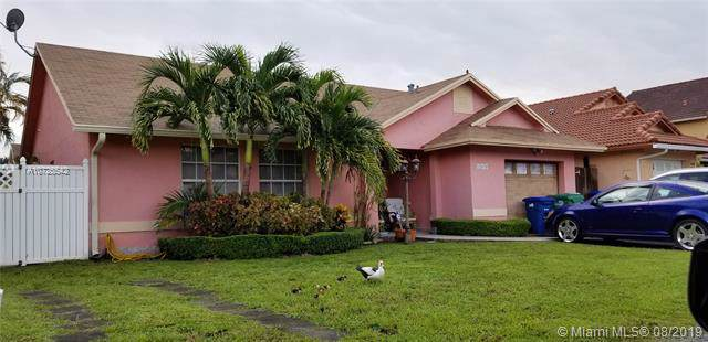 18670 NW 78th Ave, Hialeah, FL 33015 (MLS #A10725542) :: RE/MAX Presidential Real Estate Group