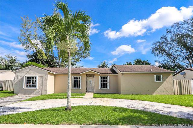 5751 NW 201st Ln, Hialeah, FL 33015 (MLS #A10725555) :: The Jack Coden Group