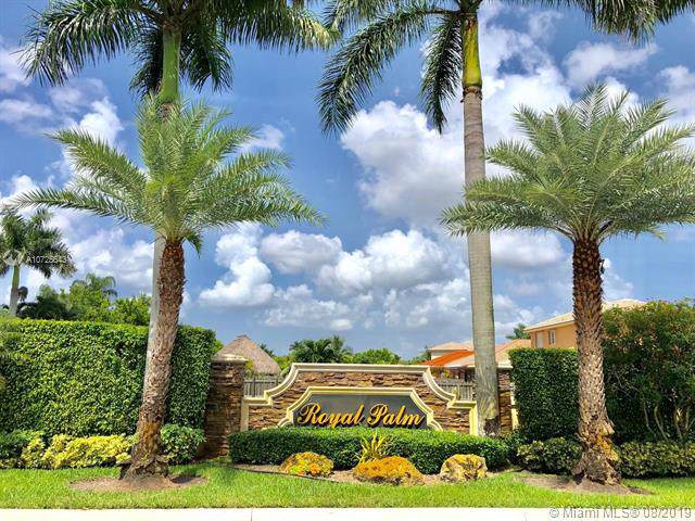 281 W Royal Cove Cir, Davie, FL 33325 (MLS #A10725643) :: Grove Properties