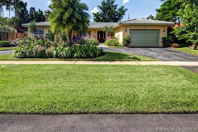 4910 Jefferson St, Hollywood, FL 33021 (MLS #A10725648) :: United Realty Group