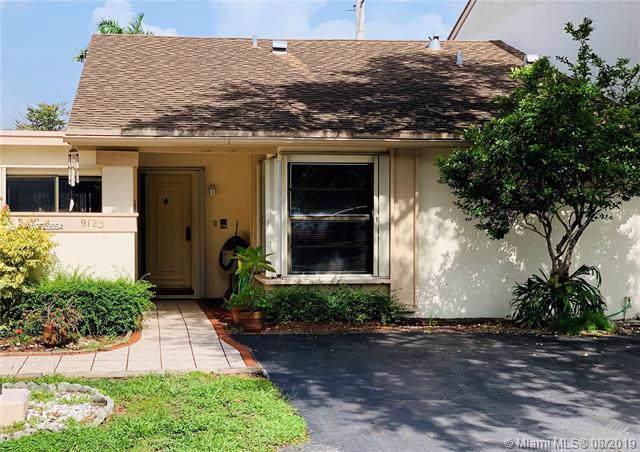 9123 SW 117th Ct, Miami, FL 33186 (MLS #A10725654) :: The Riley Smith Group