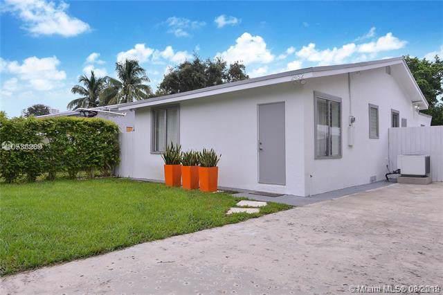 2452 NE 184th St, Miami, FL 33160 (MLS #A10725699) :: The Adrian Foley Group