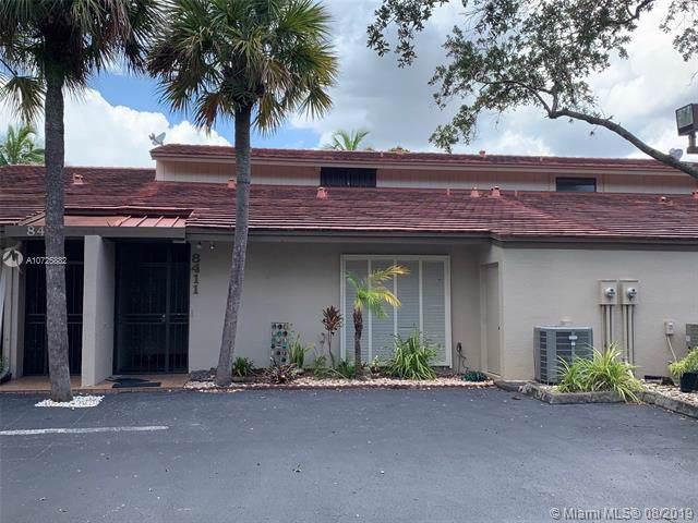 8411 Rednock Ln #8411, Miami Lakes, FL 33016 (MLS #A10725882) :: The Kurz Team