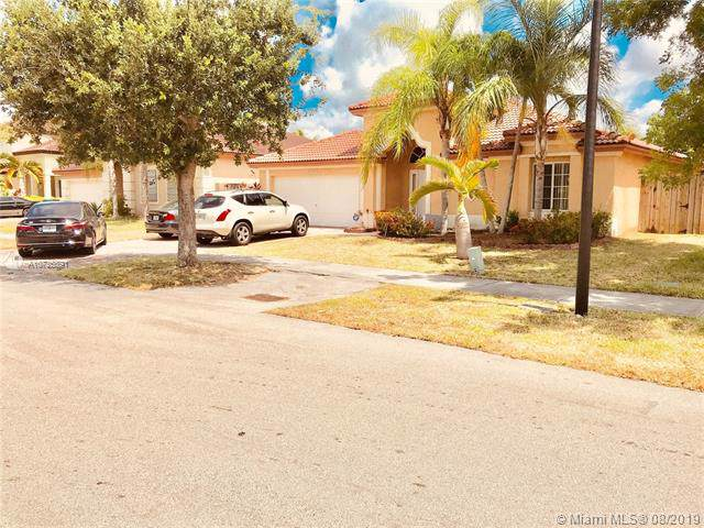 15823 SW 141st St, Miami, FL 33196 (MLS #A10725891) :: The Riley Smith Group