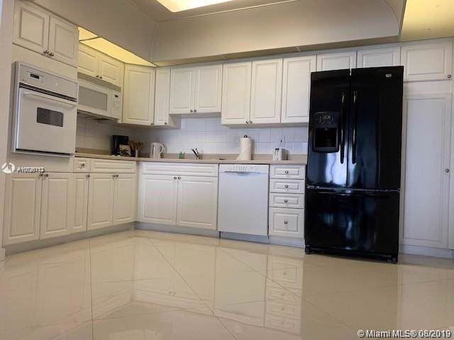 19370 Collins Ave #414, Sunny Isles Beach, FL 33160 (MLS #A10726113) :: Grove Properties