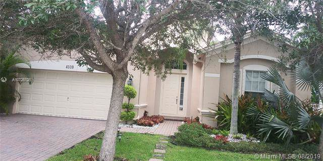 4339 W Whitewater Ave, Weston, FL 33332 (MLS #A10726126) :: Berkshire Hathaway HomeServices EWM Realty