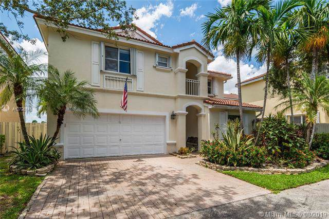 1760 Seagrape Way, Hollywood, FL 33019 (MLS #A10726143) :: Carole Smith Real Estate Team