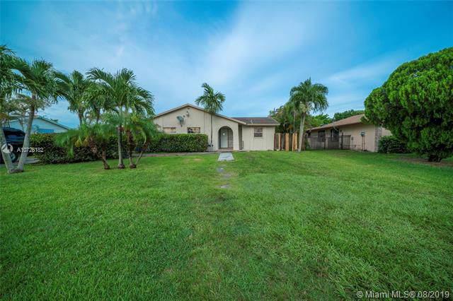 16885 SW 109th Ct, Miami, FL 33157 (MLS #A10726182) :: Berkshire Hathaway HomeServices EWM Realty
