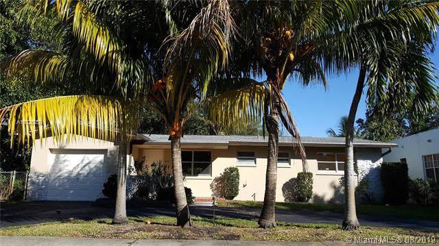 445 NE 131st St, North Miami, FL 33161 (MLS #A10726258) :: The Kurz Team
