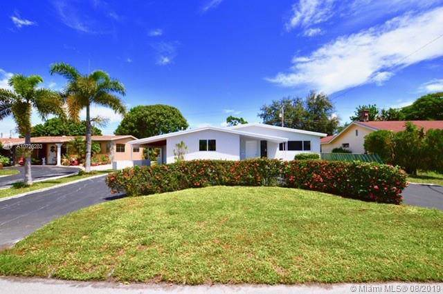 6721 Roosevelt St, Hollywood, FL 33024 (MLS #A10726283) :: United Realty Group