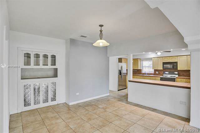 1820 Biarritz Dr, Miami Beach, FL 33141 (MLS #A10726374) :: ONE Sotheby's International Realty