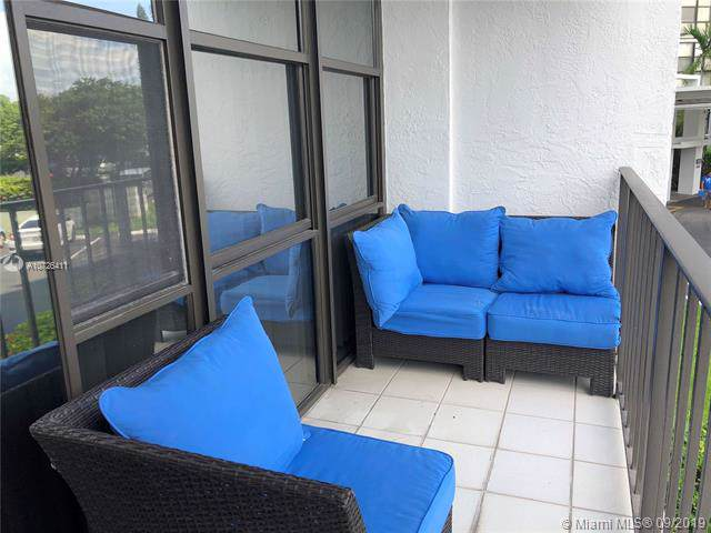 1000 Parkview Dr #207, Hallandale, FL 33009 (MLS #A10726411) :: United Realty Group