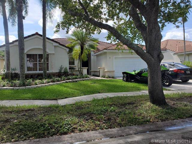 2324 NW 187th Ave, Pembroke Pines, FL 33029 (MLS #A10726591) :: The Adrian Foley Group