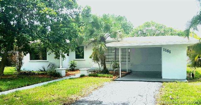 1161 SW 45th Ter, Plantation, FL 33317 (MLS #A10726596) :: The Teri Arbogast Team at Keller Williams Partners SW