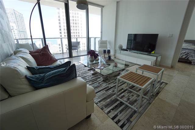 68 SE 6th St #3207, Miami, FL 33131 (MLS #A10726665) :: The TopBrickellRealtor.com Group
