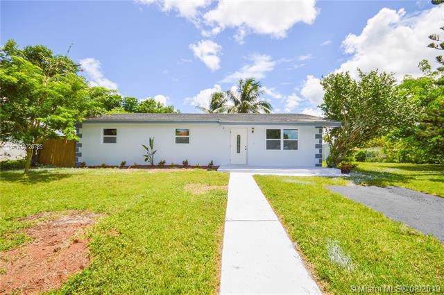 15280 SW 301st St, Homestead, FL 33033 (MLS #A10726725) :: Berkshire Hathaway HomeServices EWM Realty