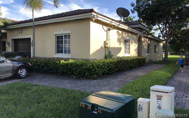 1220 NE 32nd Ter #1, Homestead, FL 33033 (MLS #A10726917) :: Berkshire Hathaway HomeServices EWM Realty