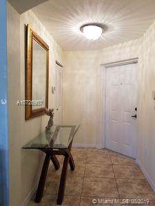 8999 NW 107th Ct 209-1, Doral, FL 33178 (MLS #A10726957) :: ONE Sotheby's International Realty