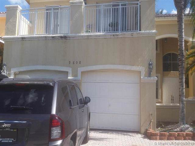 9608 NW 47th Ter, Doral, FL 33178 (MLS #A10727059) :: Ray De Leon with One Sotheby's International Realty