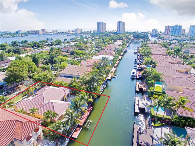 950 Washington St, Hollywood, FL 33019 (MLS #A10727163) :: Berkshire Hathaway HomeServices EWM Realty