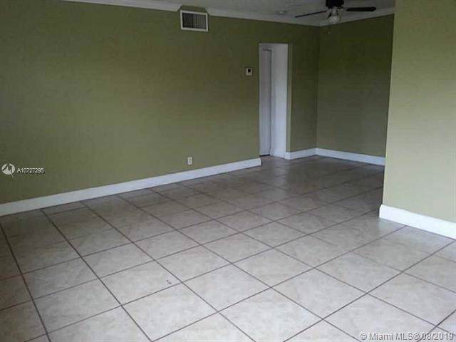 2008 Jackson St C3, Hollywood, FL 33020 (MLS #A10727295) :: The Jack Coden Group