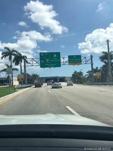 5 Nw Ave, Dania Beach, FL 33004 (MLS #A10727427) :: Grove Properties