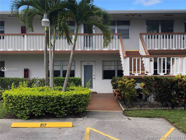 218 Somerset L #218, West Palm Beach, FL 33417 (MLS #A10727512) :: Berkshire Hathaway HomeServices EWM Realty