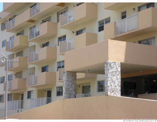 4141 Collins Ave #306, Miami Beach, FL 33140 (MLS #A10727618) :: Castelli Real Estate Services