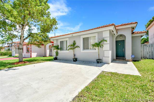 25137 SW 124th Ct, Homestead, FL 33032 (MLS #A10727621) :: The Riley Smith Group