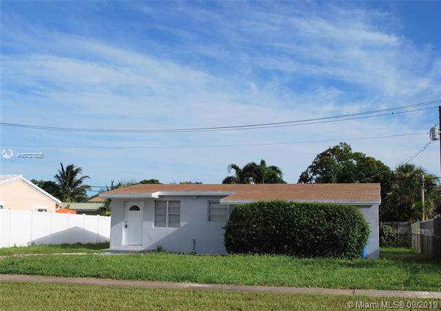 671 NE 56th St, Oakland Park, FL 33334 (MLS #A10727635) :: Ray De Leon with One Sotheby's International Realty